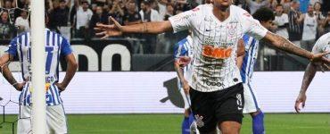 Timão com o pé na Pré-Libertadores. A 35ª rodada serviu pra coroar ainda mais o Flamengo como melhor time disparado do Brasileirão.